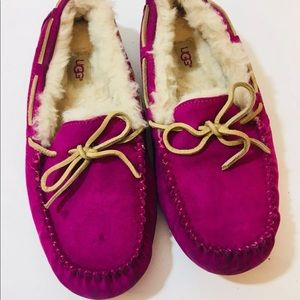 Ugg size 8 Fuchsia fuzzy loafers comfort shoes